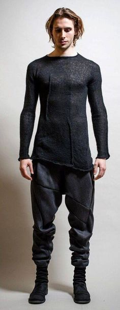 futuristic fashion for men Dystopian Fashion, Cyberpunk Fashion, Dark Fashion, Urban Fashion, Mens Fashion, Fashion Hair, Mode Masculine, Look Man, Mode Streetwear