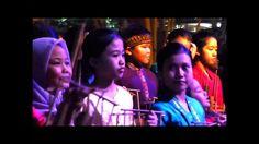 musique d'angklung et chants d'enfants à Bandung (Java, Indonésie)