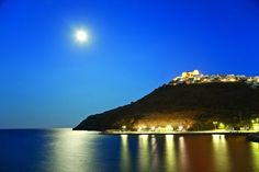 Go Greek, Acropolis, Small Island, Ancient Greece, Greek Islands, Paradise, Places To Visit, Castle, Around The Worlds