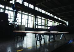 https://www.hetsteigerhouthuis.nl/product/nieuw-tafel-industrieel-bridge-eiken-6/