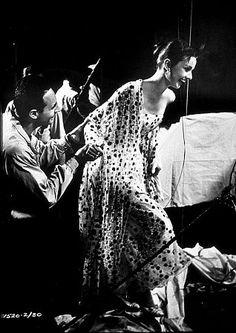 """33-12 Audrey Hepburn """"Nun's Story"""" 1959 Warner Brothers"""