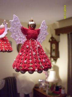 crochet angel picture only...