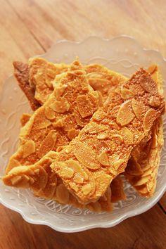 卵白2個でつくるアーモンドクッキー – Yuccoの家族が喜ぶ焼きたてパン