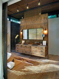 Amazing rustic and modern bathroom (sink + tub + floors + rug)