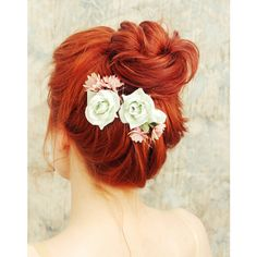 24 Stunning Ways to Wear Flowers in Your Hair on Your Wedding Day ❤ liked on Polyvore featuring hair