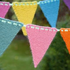 This knitted bunting is perfect for decorating inside or outside for parties, and a great way to use up leftover yarns from the stash. thanks so xox