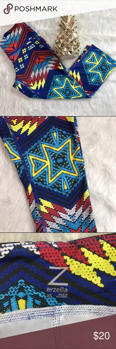 Zella Aztec Cropped Leggings Zella cropped leggings. Beautiful and eye catching design. Size XS is equivalent to a size 0-2. Nordstrom brand. Like new condition: no flaws.   ❌No Trades❌ 📦Fast Shipping📦 💬Open to Offers💬 🛍Willing to Bundle🛍 Zella Pants Leggings