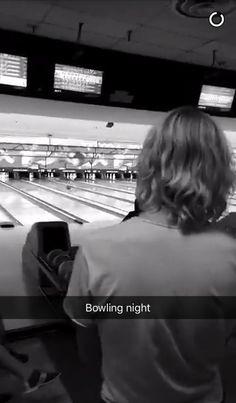 Image de bowling, riker lynch, and ross lynch