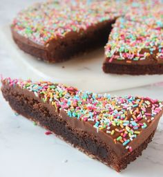 Dessert Drinks, Dessert Recipes, Desserts, Yummy Treats, Sweet Treats, Danish Dessert, Cake Bites, Swedish Recipes, No Bake Cake