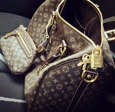 #Louis #Vuitton #Handbags Save 50% From LV Outlet.
