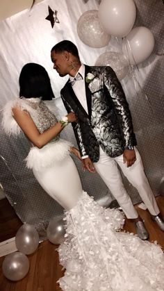 42 Best Ideas For Wedding Couple Fashion Relationship Goals Senior Prom Dresses, Prom Girl Dresses, Prom Outfits, Wedding Dresses, Couple Style, Prom Goals, Prom Couples, Black Prom, Prom Night
