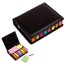 """MEMO SET """"OFFICE""""  T189  12,6 x 2,8 x 10,5 cm Cuerina negra. 8 Blocks autoadhesivos de diferente color en forma de flecha. 2 Blocks autoadhesivos rectangulares de diferente color. 2 Blocks autodhesivos cuadrados de diferente color.  Color: Negro"""