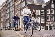 Fall in love with Amsterdam's beauty as you explore this cultural powerhouse on two wheels.