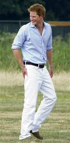 Check out the hottest photos of Prince Harry! Prince Harry Of Wales, Prince Henry, Prince William, Beautiful Men, Beautiful People, Gorgeous Guys, Photos Of Prince, Prinz Harry, Young Prince