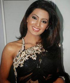 Geeta Basra Hot in Saree #GeetaBasra #Bollywood #FoundPix