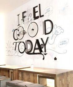 decorar una pared con una bicicleta
