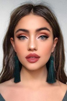 make up;make up for beginners;make up tutorial;make up for brown eyes;make up for hazel eyes;make up organization;make up ideas; Simple Makeup Looks, Simple Eye Makeup, Eye Makeup Tips, Dramatic Makeup, Makeup Products, Simple Smokey Eye, Makeup Hacks, Brown Makeup Looks, Sexy Eye Makeup