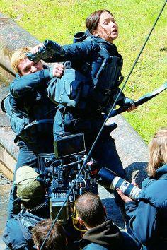 Hijacked Peeta attacks Katniss || NOPE. I CANT DO THIS. NO NO NO.