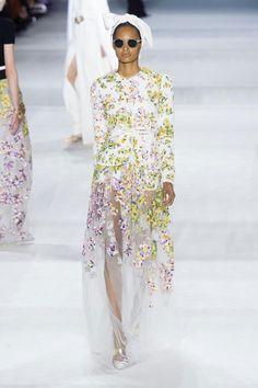 Giambattista Valli Haute Couture Fall/Winter 2014-2015 50's Rich Bitch | GRAVERAVENS