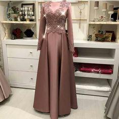 New Vintage Wedding Suit For Women Ideas Hijab Prom Dress, Muslim Dress, Bridesmaid Dress, Dress Outfits, Fashion Dresses, Modern Hijab Fashion, Batik Fashion, Vintage Wedding Suits, Vintage Dresses