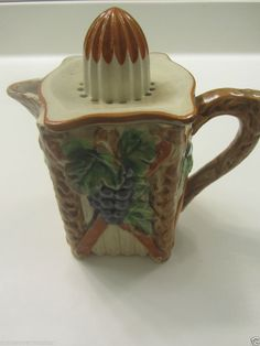 Vtg  4 Cup Juicer & Pitcher Made in Japan Grapes/Vines