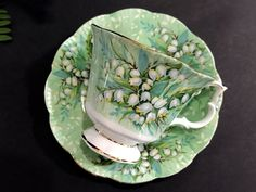 "Royal Albert, Lily of the Valley Teacup and Saucer, Festival Series Tea Cup ""Haymarket"" K-"