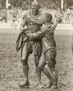 Opposing team captains Norm Provan and Arthur Summons embrace after the 1963 Australian rugby league final. [[MORE]] Solsken: This image has gone on to become the basis of the trophy that the winner of the national rugby league competition of. Australian Rugby League, Australian Football, Rugby Sport, Rugby Men, Iconic Photos, Old Photos, Canterbury Bulldogs, National Rugby League, Hot Rugby Players