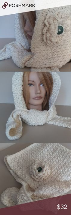🐞Crochet hooded scarf New crochet by me Stylish hooded scarf  Beige Ready to be shipped Smoke/pet free Accessories Hats
