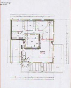 Une Grande Maison De Plainpied Floor PlansAlaprajzok Pinterest - Plan maison avec tour carree