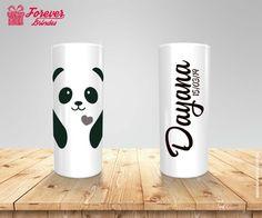 Copo Long Drink Urso Panda, Impressão em serigrafia em alta resolução, todos os copos long drink são personalizados de acordo com a necessidade de cada cliente, é só informar como deseja a arte que montamos uma amostra virtual sem custo algum. Solicite uma arte e orçamento sem compromisso. #copolongdrinkpanda #copodefesta #copodeaniversario #lembrancinhadefesta #copopersonalizado #festadeaniversario #copoemflorianopolis #copodepanda #foreverbrindes Panda Craft, Long Drink, Ideas Para Fiestas, Custo, Mugs, Tableware, Party, Crafts, 1