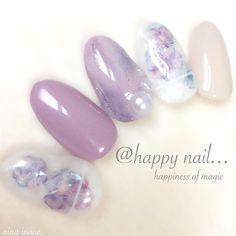 ainaさんはInstagramを利用しています:「春の新作です( *´꒳`* ) 紫系統でニュアンスカラーに♡ふわっとしたフラワーも大人っぽくて可愛い〜(*´ω`*) 検定も終わって少し落ち着いたので、チップ作り再開だぁ〜☆ #nail#nails#art#ネイル#ネイリスト#manicurist…」