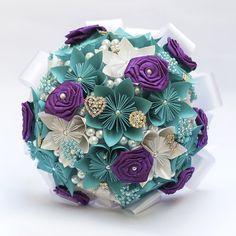 Buquê Noiva 06- Flores de Origami   S2 Noivas   Elo7 Paper Bouquet Diy, Quilling, Paper Flowers, Decorative Boxes, Ornaments, Bouquets, Closet, Bouquet Of Roses, Origami Decoration