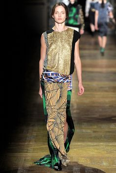 Dries Van Noten Fall 2011 Ready-to-Wear Collection Slideshow on Style.com 7