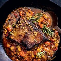 Slow-roasted brisket and smoky beans Slow Roast Brisket, Healthy Meals To Cook, Healthy Recipes, South African Recipes, Ethnic Recipes, Roast Recipes, I Love Food, Food Porn, Beans