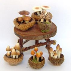 1\/12 scale DOLLHOUSE MINIATURE FAIRY HOUSE GARDEN - BROWN POTTED MUSHROOMS AND TOADSTOOLS BY LORY