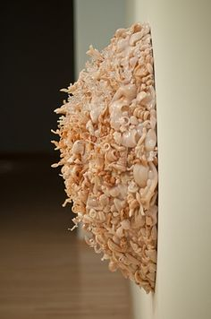 Amber Cowan: Basket, 2011, flameworked glass