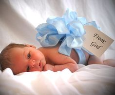 Cute idea to introduce a new baby in the family