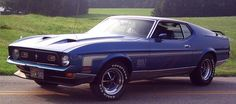 This is identical to the 1972 Mustang Mach 1 I used to own in the mid 90's.  To think, I used to have the minimum insurance on it.  http://static.cargurus.com/images/site/2009/01/26/18/42/1972_ford_mustang_mach_1-pic-19786.jpeg