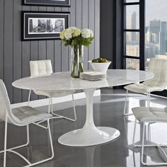 High-End Tulip Saarinen style, oval marble dining table. The deep whites are consistent on all tables, the gray veining patterns will vary from table to table. White Round Dining Table, Marble Top Dining Table, Dining Table Design, Glass Dining Table, Dining Tables, Small Dining, Dining Chair, Mesa Saarinen, Saarinen Table
