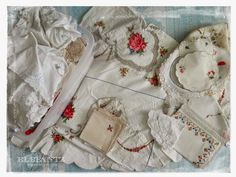 Jenny of ELEFANTZ: Ideas for using vintage linens.You can find Vintage linen and more on our website.Jenny of ELEFANTZ: Ideas for using vintage linens. Quilts Vintage, Vintage Sheets, Vintage Textiles, Embroidery Transfers, Embroidery Patterns, Embroidery Thread, Machine Embroidery, Cama Vintage, Vintage Linen