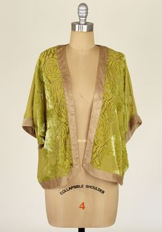 Bed of Roses Boudoir Jacket [IJ8258] - $54.99 : Spotted Moth, Chic and sweet clothing and accessories for women
