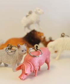 animal toys made into keychains! Doesn't look too difficult - makes me want to try making some!