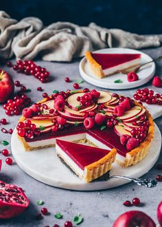 Panna cotta tart with shortcrust pastry and fru . - Vegan panna cotta tart with a crunchy shortcrust pastry base, coconut pudding filling - Vegan Pie Crust, Pie Crust Recipes, Tart Recipes, Pastry Recipes, Fruit Recipes, Vegan Recipes, Desserts Panna Cotta, Vegan Panna Cotta, Italian Desserts