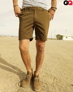 Shorts + Desert Boots. If I ever do move to Africa, this is de rigueur.
