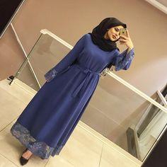 YEPYENİ RENKLERLE STOKLARDAA FİYAT 110₺ BEDEN 36-42 Hijab Gown, Hijab Style Dress, Hijab Chic, Hijab Outfit, Modest Fashion Hijab, Abaya Fashion, Muslim Fashion, Fashion Dresses, Glam Dresses