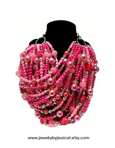SUPER STATEMENT Necklace Pink Magenta Fuchsia por JewelryByJessicaT