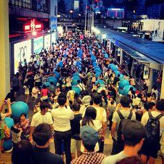 "@ginaaau people mountain people sea -.-"" #hk #hkig #habourcity #hongkong #hongkonger #people #crowd #omg #2012 #insta #instadog #ig"
