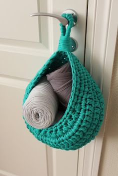 My Poppet – Crochet Nesting Baskets with Zpagetti Yarn Crochet Diy, Chat Crochet, Crochet Mignon, Crochet Storage, Yarn Storage, Crochet Home, Love Crochet, Crochet Crafts, Storage Baskets
