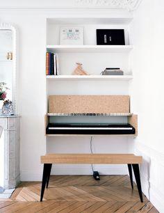 Best Home Studio Piano Living Rooms Ideas Piano Table, Piano Desk, Piano Room, Piano Living Rooms, Living Room Decor, Living Spaces, Sinnerlig Ikea, Piano Digital, Music Corner