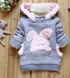 Piękna, cieplutka bluza z różowym króliczkiem